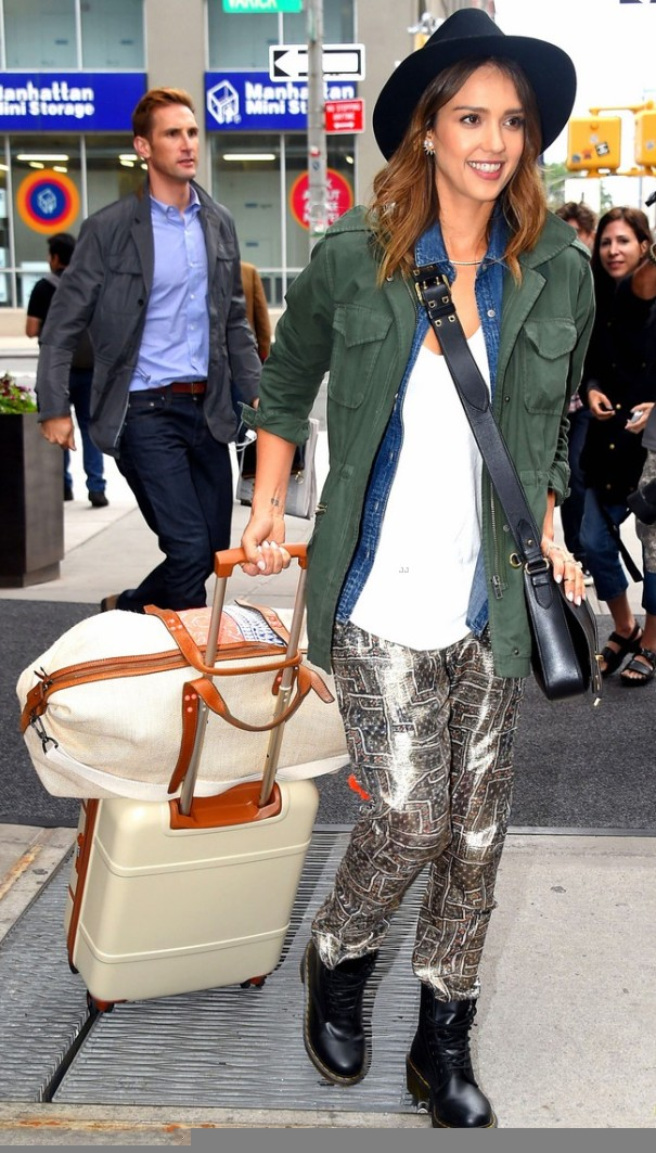 e16c98282c2 Jessica Alba Shows Us How to Wear Doc Martens - Shoes Post