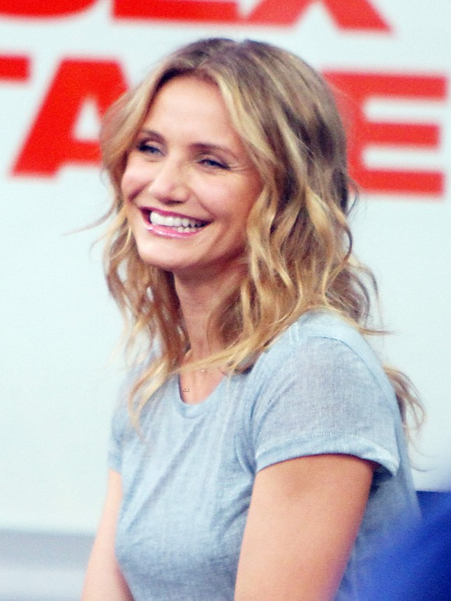 Cameron diaz wears sexy heels with her granny dress for for Cameron diaz new york