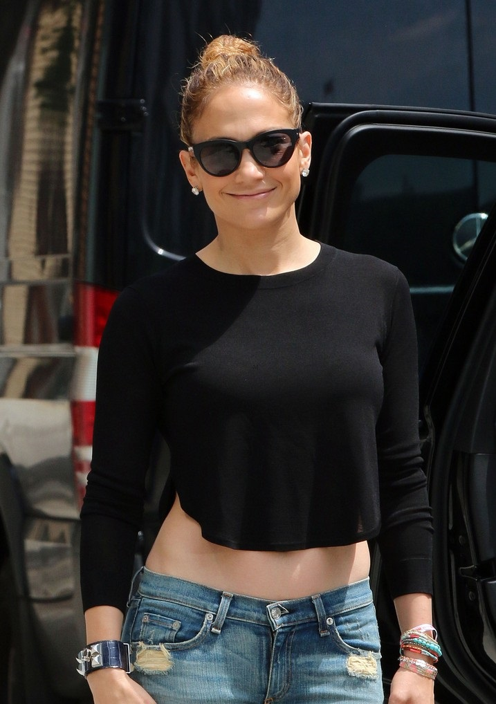 Jennifer Lopez Shows Off Legs In Ankle Strap Espadrilles