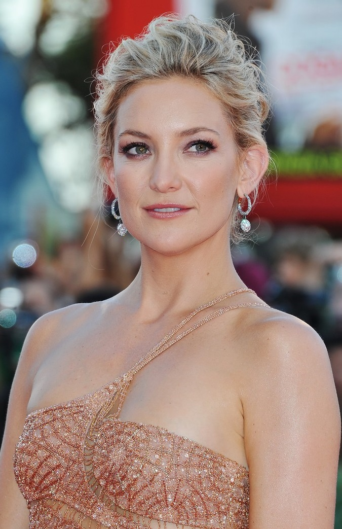 33416908451 Kate Hudson Just Perfected the All-Neutral Summer Look