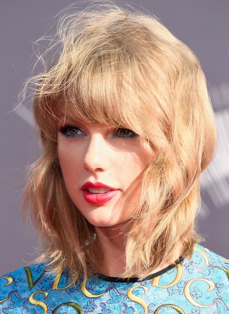 Taylor Swift Attends The 2014 Mtv Video Music Awards In A