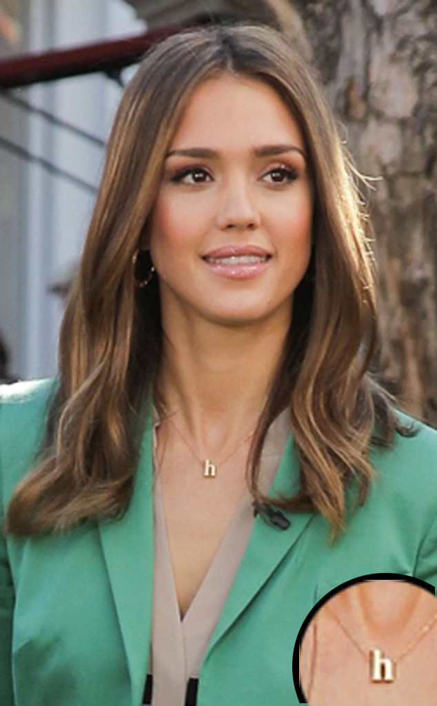 Jessica Alba Shows Off Her Toned Tummy In South Korea