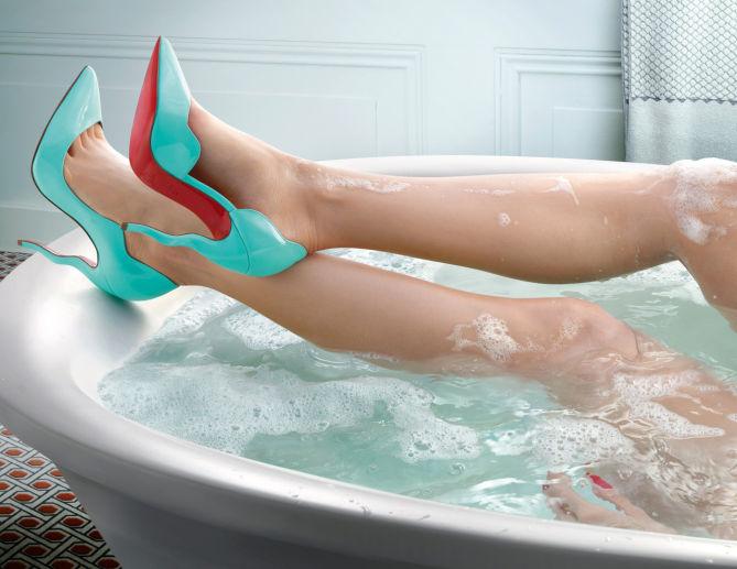 fd86783b903 Christian Louboutin Hot Chick - Shoes Post