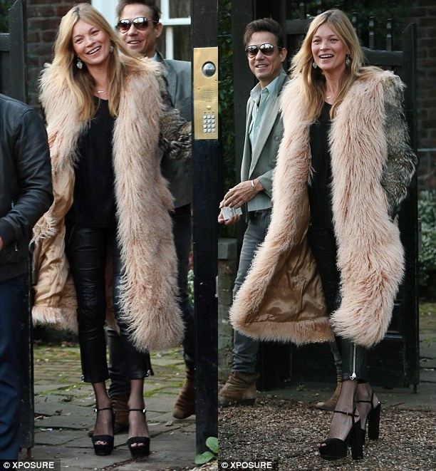 Kate Moss Is Makeup Free In Fur And Platform Sandals