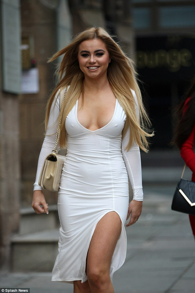 Melissa Reeves Goes Commando In Her Plunging White Dress