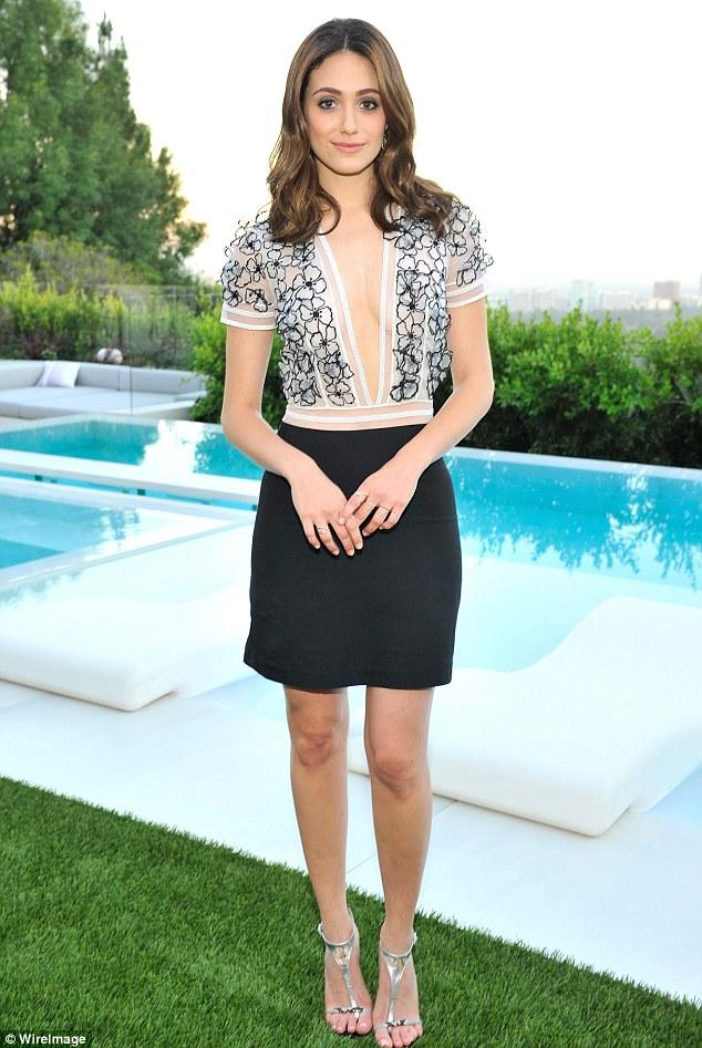 cd589f1002ae3 How to Wear the White Sundress This Summer Like Emmy Rossum - Shoes Post