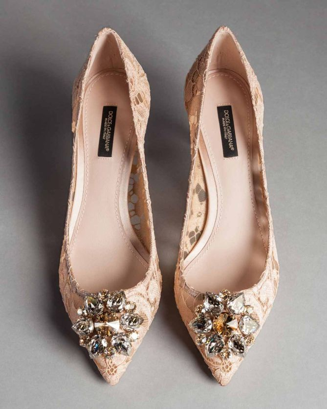 Dolce Amp Gabbana Taormina Lace Bellucci Pumps With Brooch