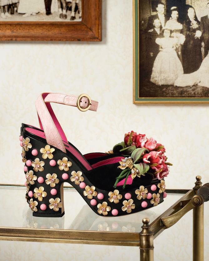 Dolce & GabbanaRose-Embellished Sandals XjA2Yrhx