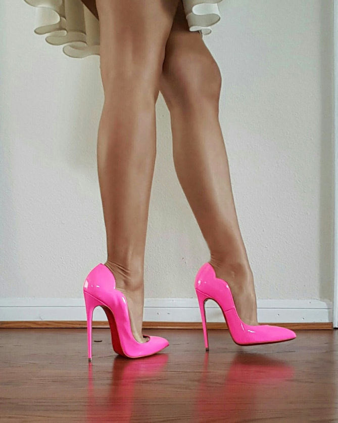 louboutin hot chick