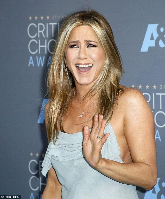 Jennifer Aniston - Fotos Desnuda - SexyFamosacom