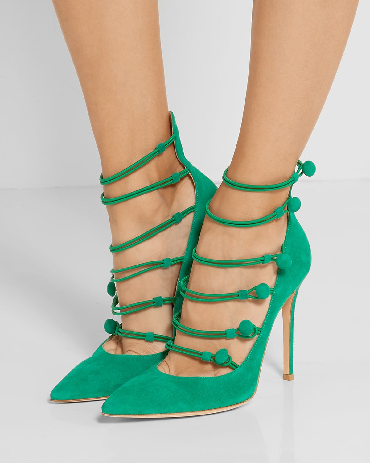 Gianvito Rossi Suede Button-Strap Point Toe Pump daTxA