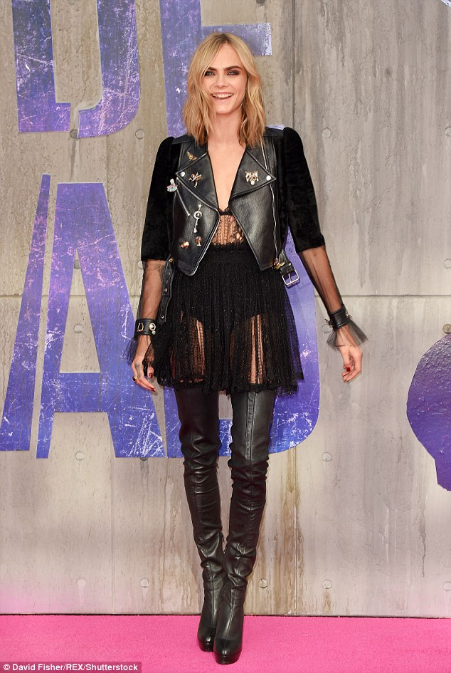 36D7CAA400000578-0-Ready_to_rock_Cara_Delevingne_led_the_star_studded_arrivals_on_L-a-12_1470258895869