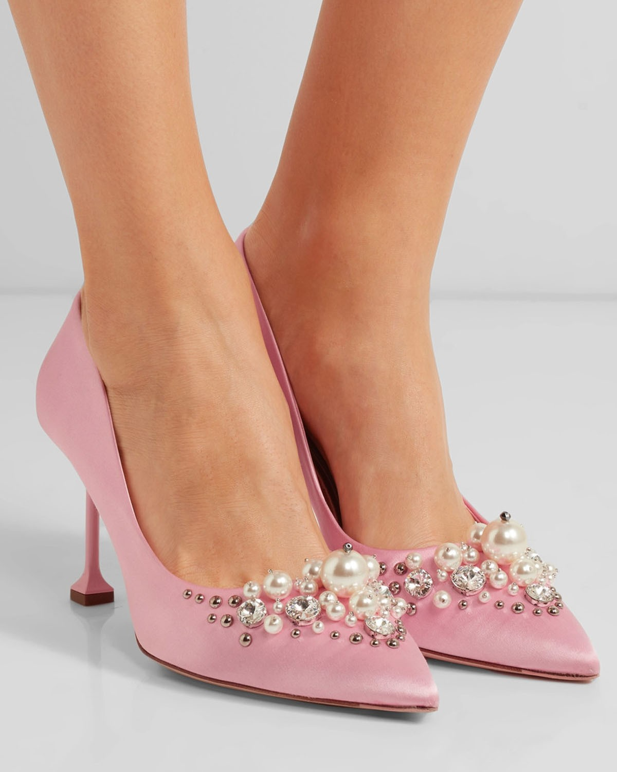 Miu Miu Embellished satin pumps VzpeCr6KVk