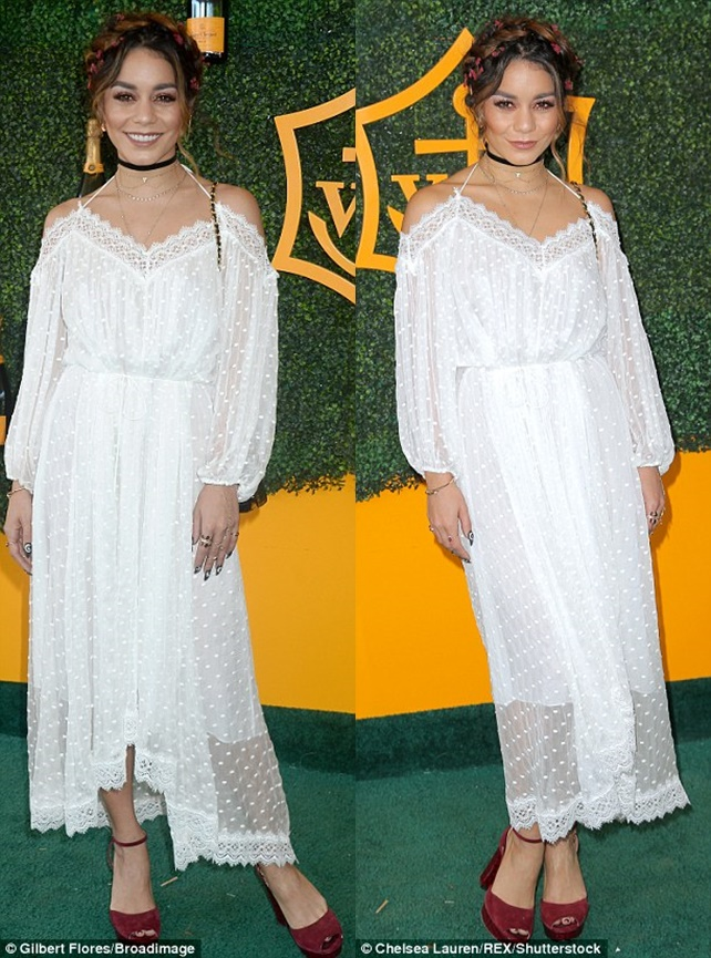 396b503e00000578-3840061-fetching_the_actress_wore_a_sheer_lace_white_dress_that_looked_l-m-17_1476565855240-horz