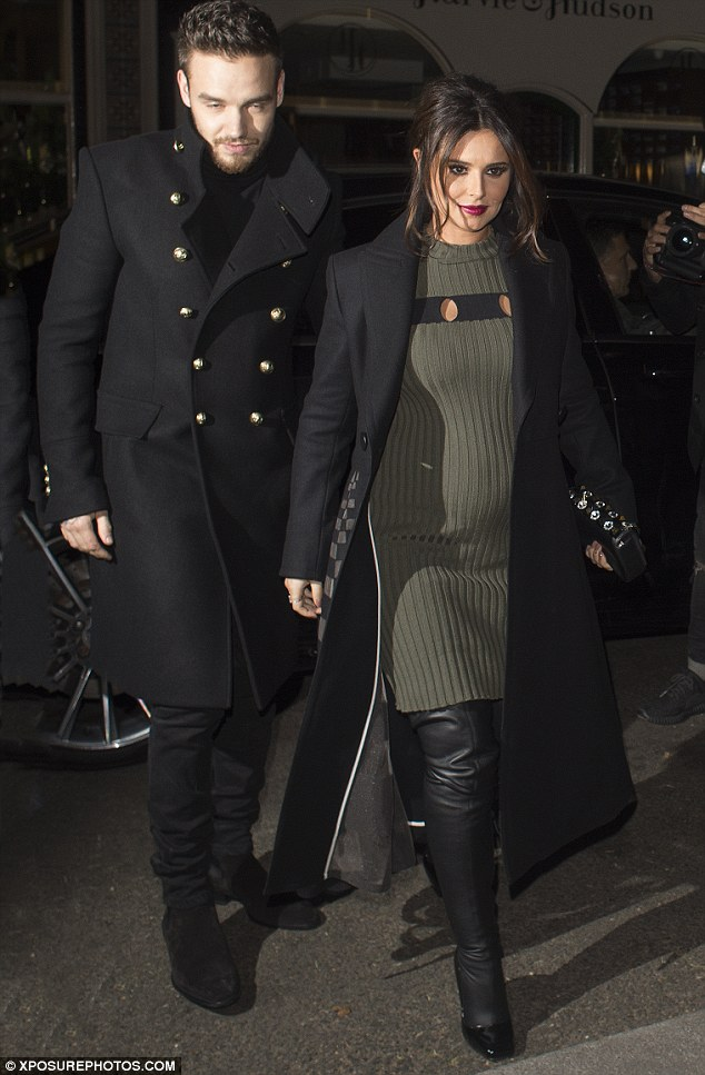 Cheryl Cole Is Pregnant And Looking Fabulous In A Pair Of