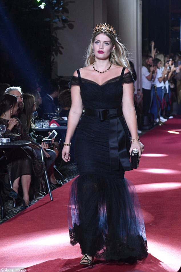 Lady Kitty Spencer Flaunted Her Royal Look At D Amp G Fashion