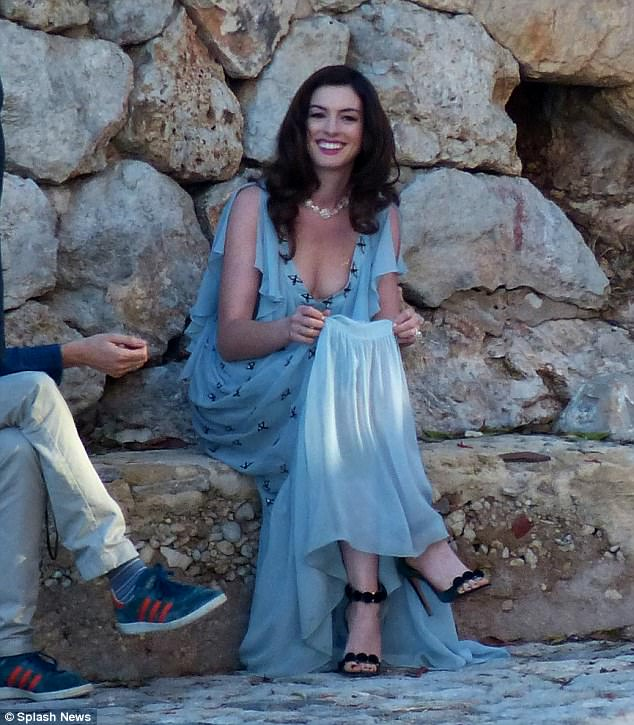 Anne Hathaway Shoots New Movie In Mallorca