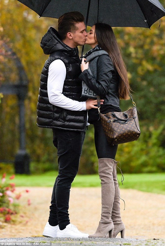 Emma Mcvey In A Scottish Babymoon With Gaz Beadle Shoes Post