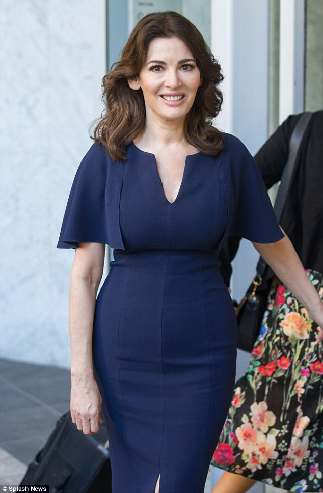 Nigella Lawson Displays Beautiful Figure After Dropping 4 Sizes