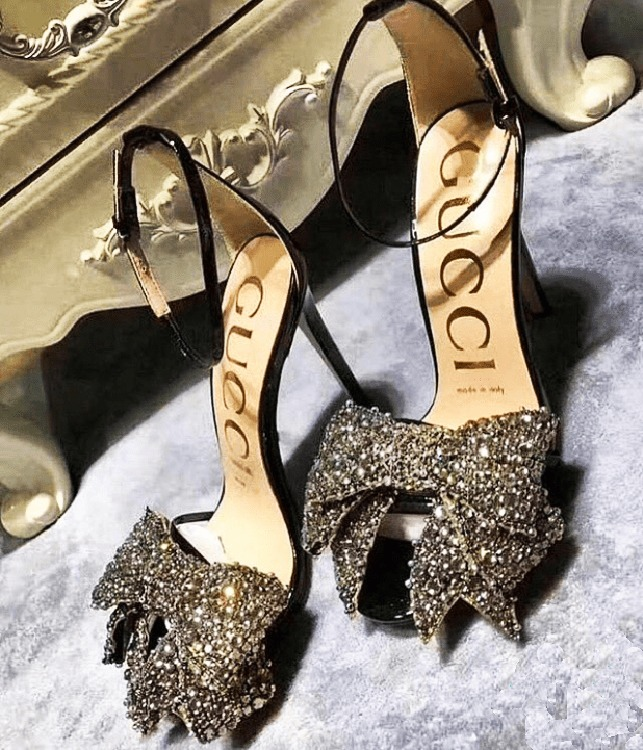 0341581bb33 GUCCI Patent leather sandals with removable crystal bows - Shoes Post